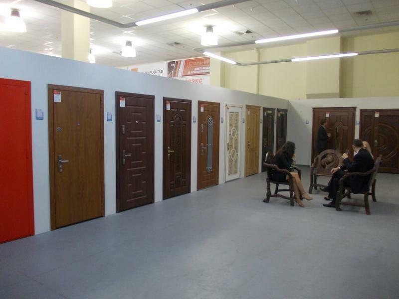 выставочные залы входные двери